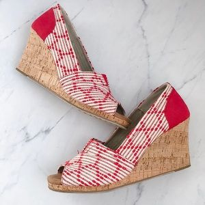 Toms red and cream wedge canvas shoes size 9.5